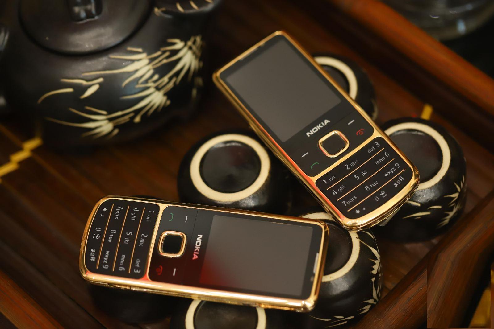 Nokia-6700-vàng-hồng-8