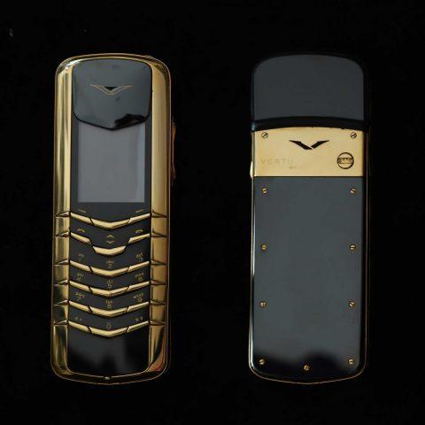 Vertu Signature M Gold
